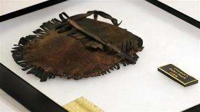 La pochette en cuir de Davy Crocket (photo Bob Owen)